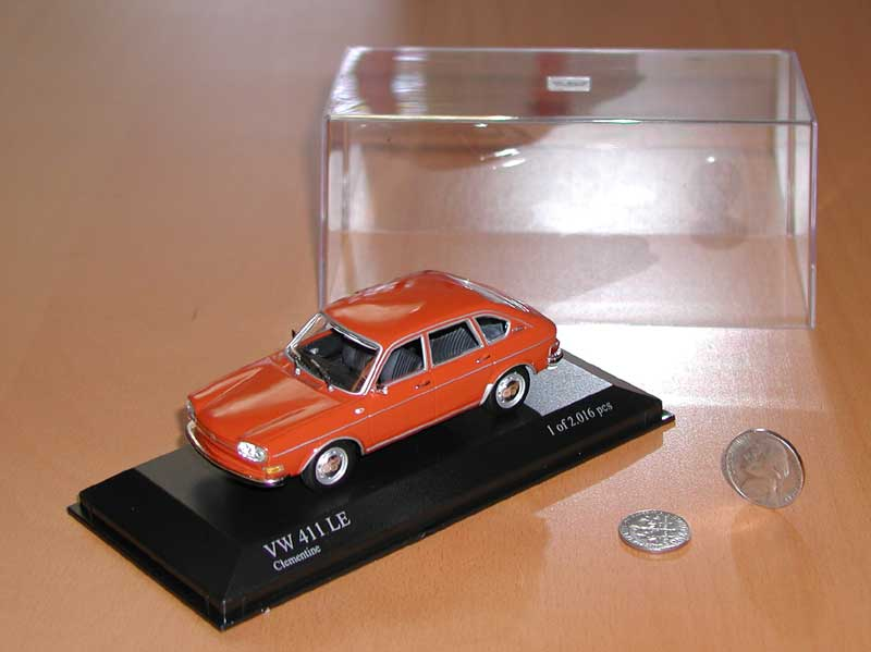 Minichamps 411 4-door sedan - Clementine