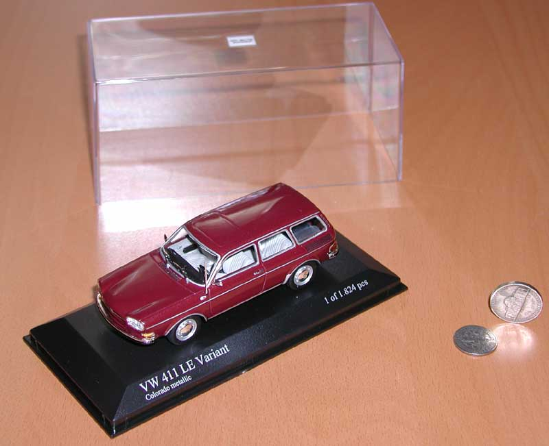 Minichamps 411 Wagon - Colorado Red Metallic