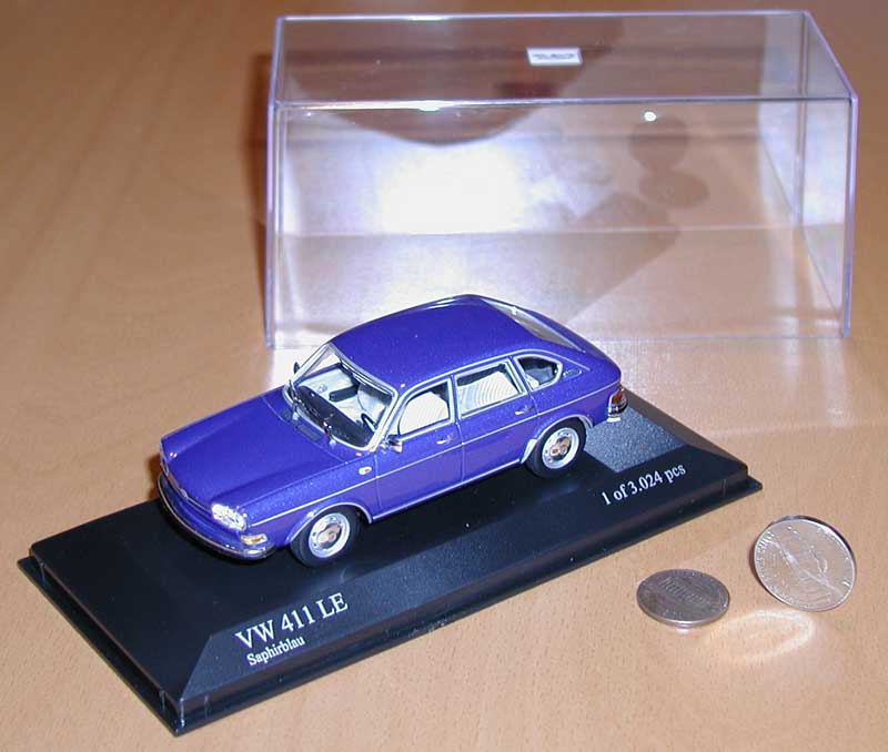Minichamps 411 4-door sedan - Saphire Blue